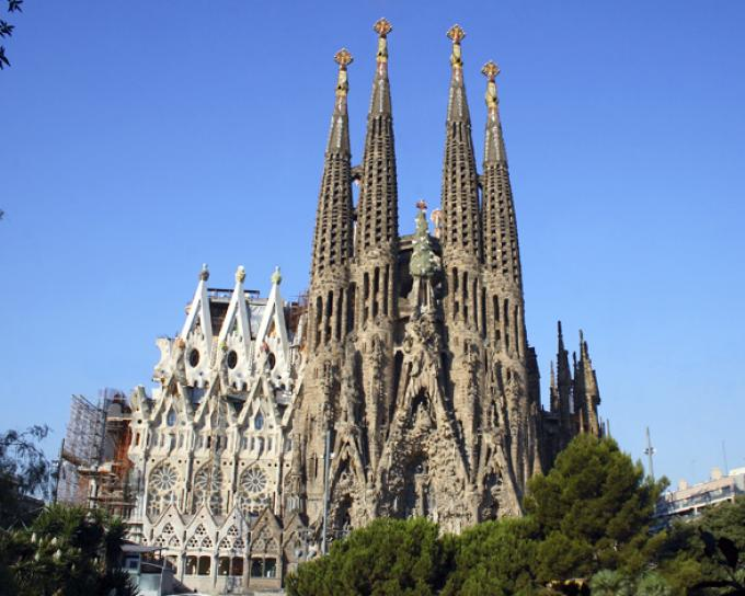 10 famous works of Gaudi