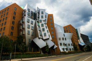 Ray and Maria Stata Center - 10 famous works of Frank Gehry